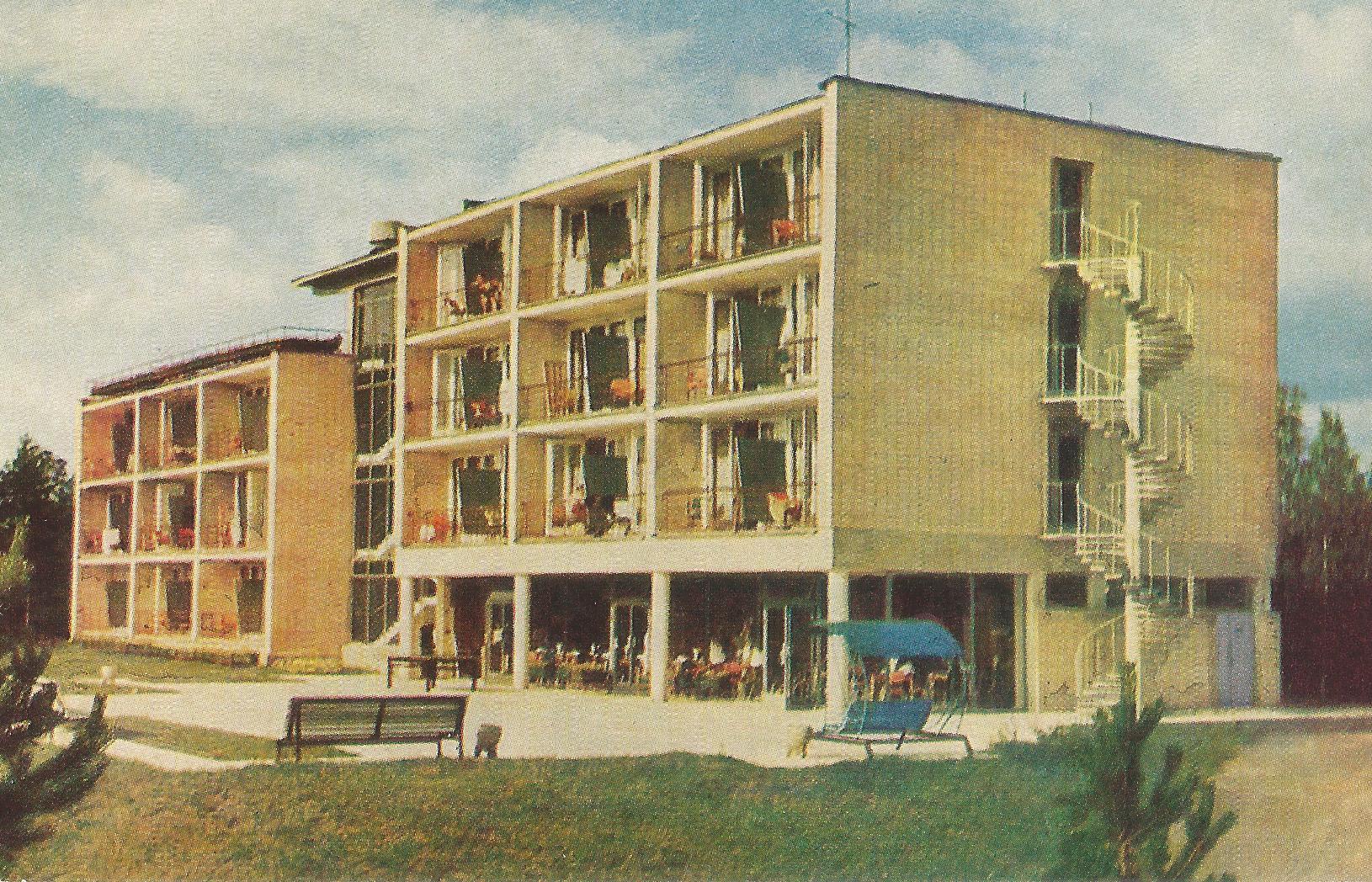 Summer building 2