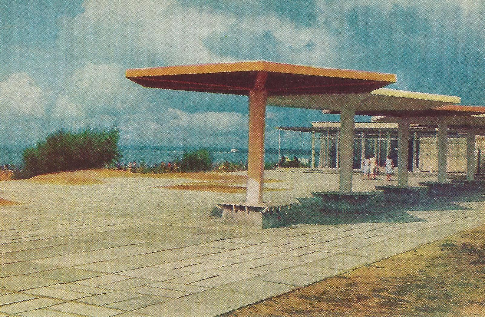 Café on the gulf shore